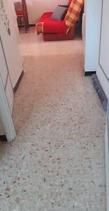 entrée et sortie chambre + séjour