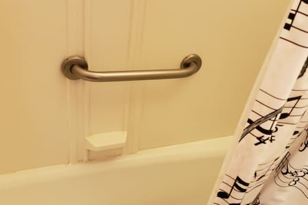 Pegangan tetap untuk shower