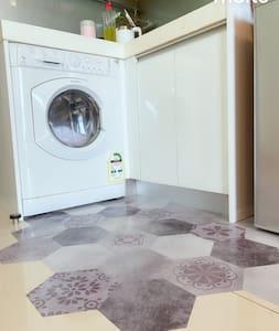 洗衣入口空間大而平坦