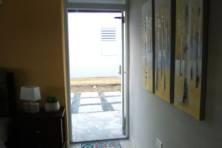 Entrada principal, habitación#1.