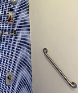 Stacionarūs dušo ranktūriai