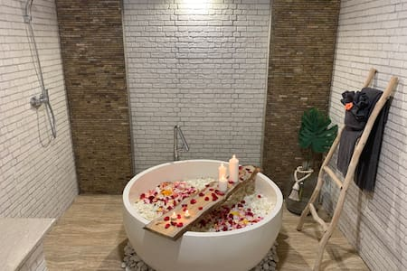 Shower without any stairs
