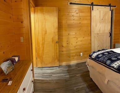Entry to bedroom through doorway