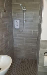 I-shower engenaso isitebhisi