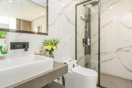 พื้นที่ห้องอาบน้ำกว้างพิเศษ