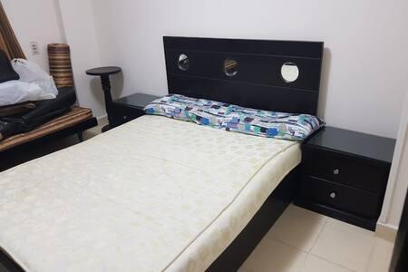 מיטה בגובה נגיש