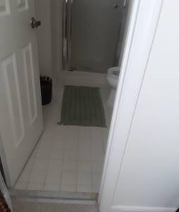 no steps into bathroom