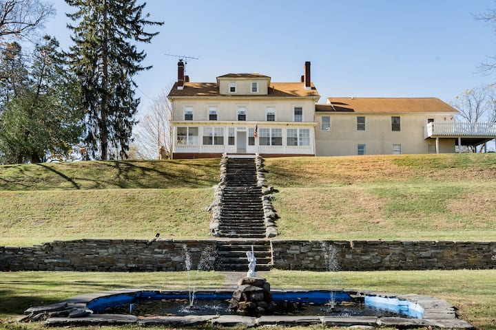 Orchard Hill Estate, Sanitized, Remote, Private, Hot Tub
