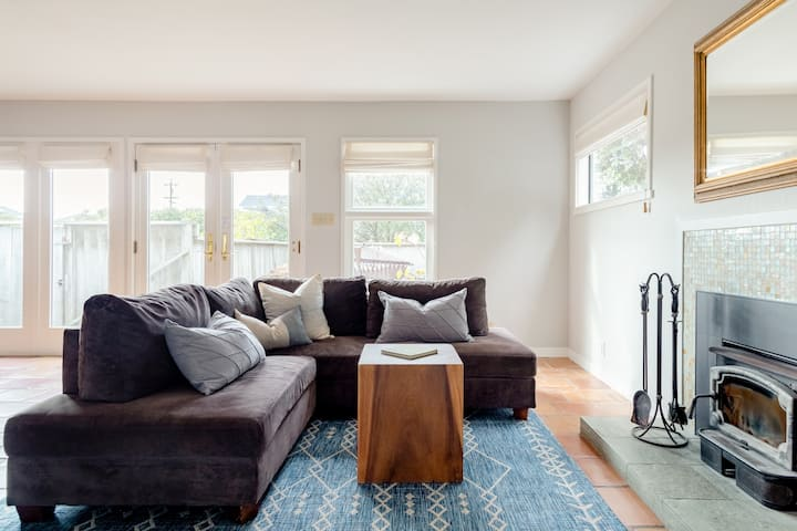 Spacious and Stylish Stinson Cottage Steps From Beach