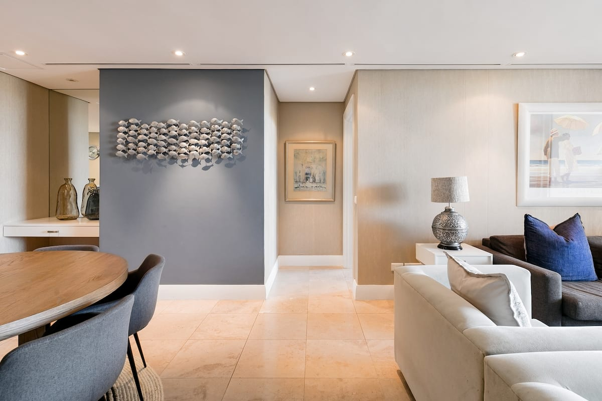 Refined and Luxurious V&A Waterfront Flat