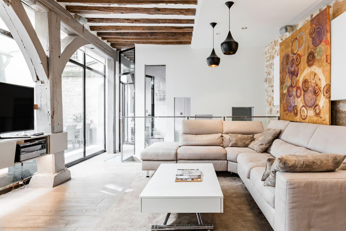 Central Designer Loft Apartment With Private Terrace