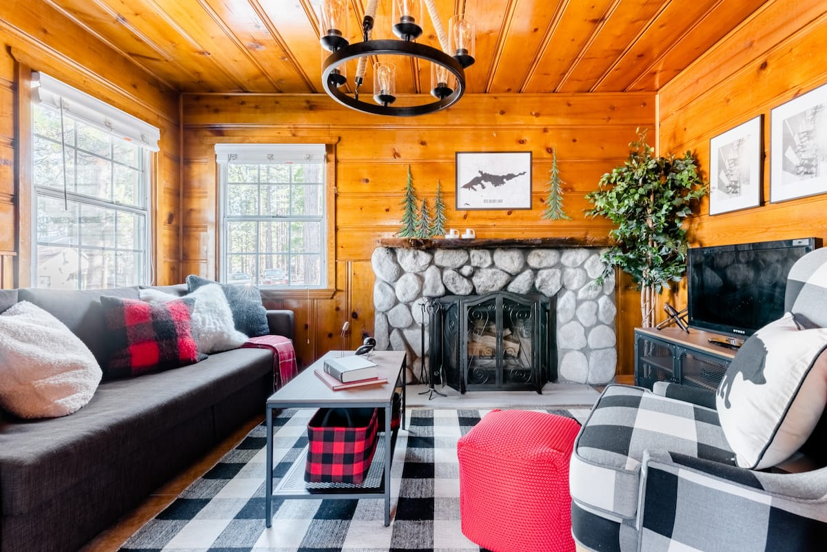 Mad For Plaid at Cabin 9 in Lakewood Cabins Near Village