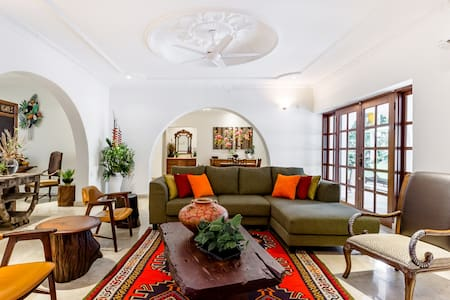 Luxe Villa near Klcc for Vacation & Retreat