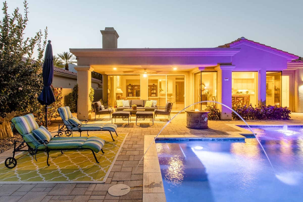Top Rated, Rare Desert Gem, Private Pool, Firepits, BBQ Plus