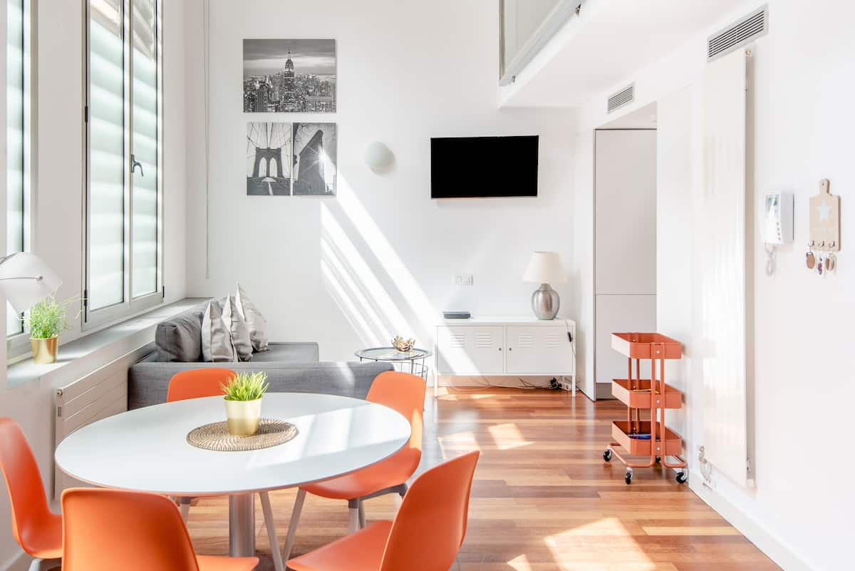 Trendy 21st Century Duplex next to Paseo de Gracia