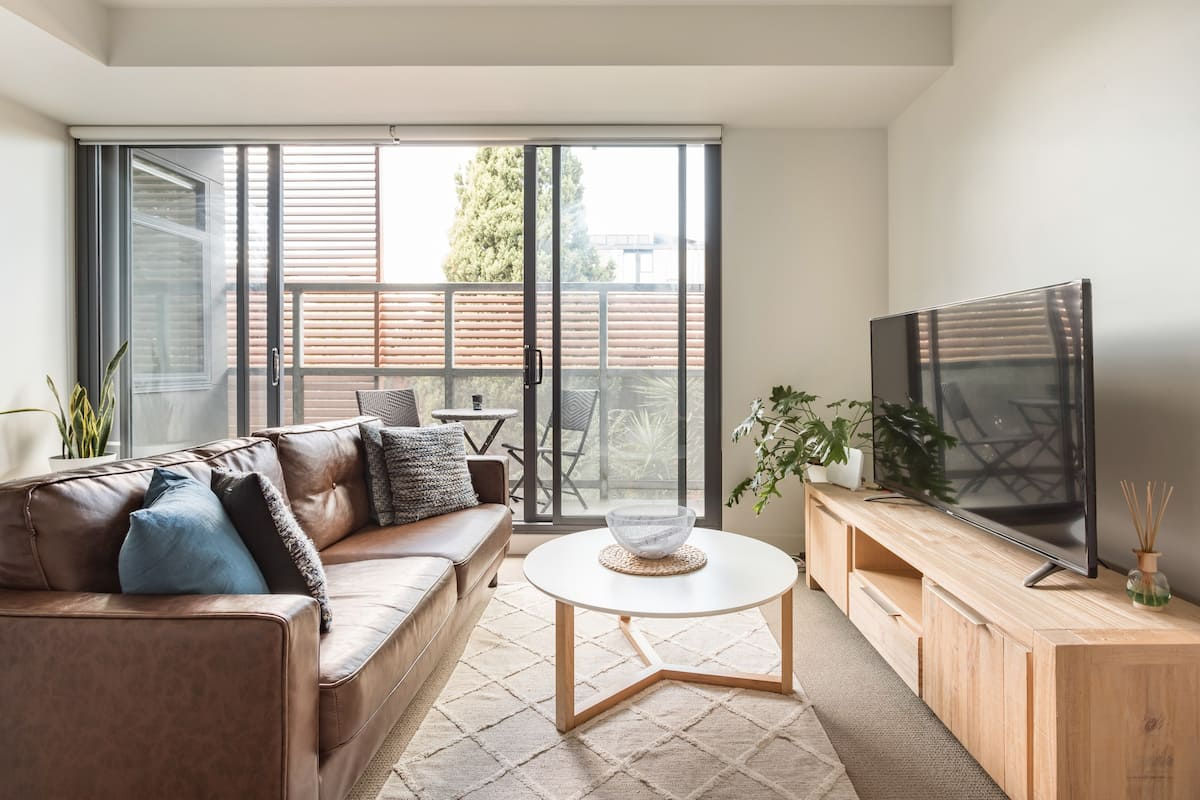 Do Beach Activities From an Apartment in Trendy St Kilda