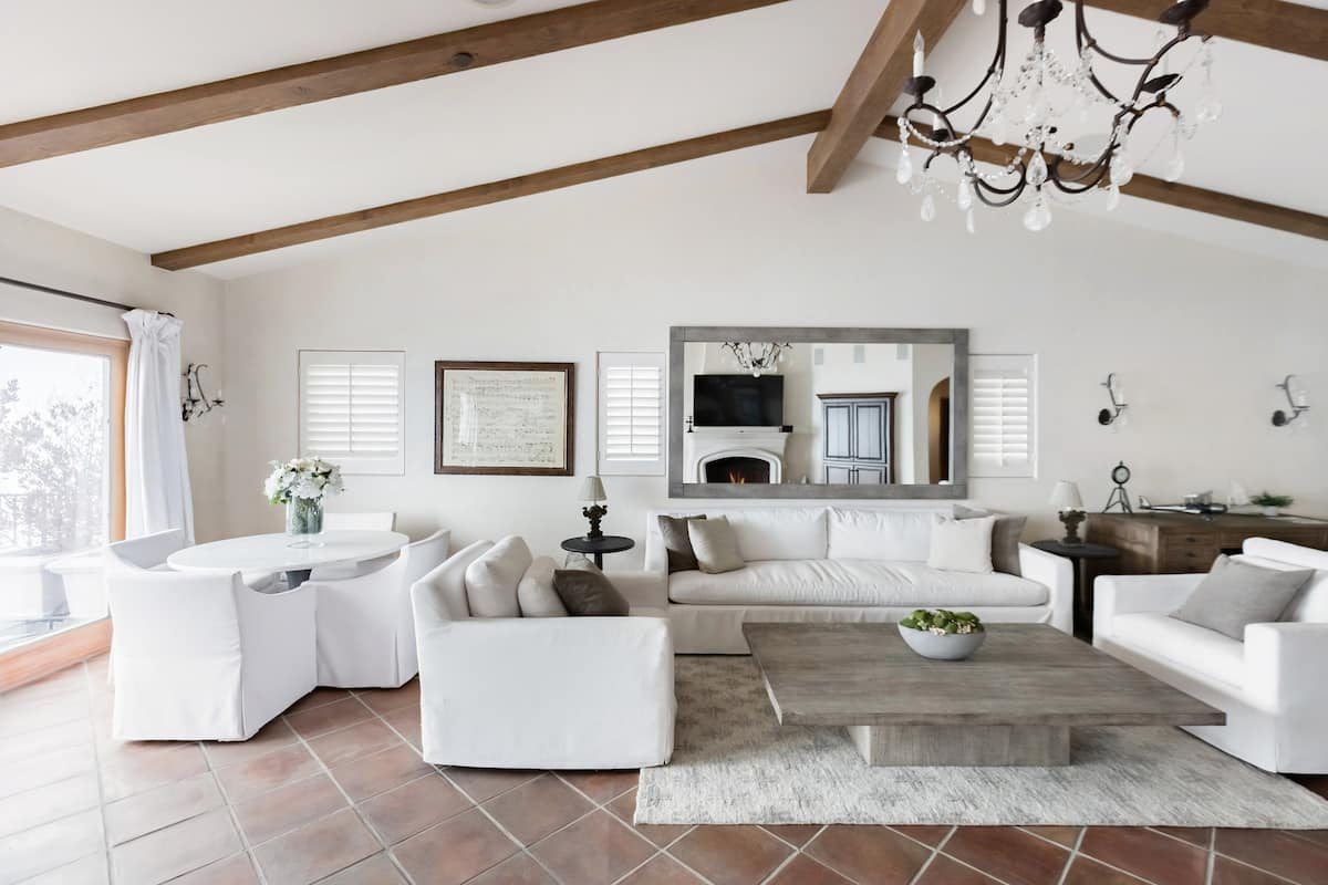 Malibu Glamour in a Cliffside Villa with Stunning Sea Views
