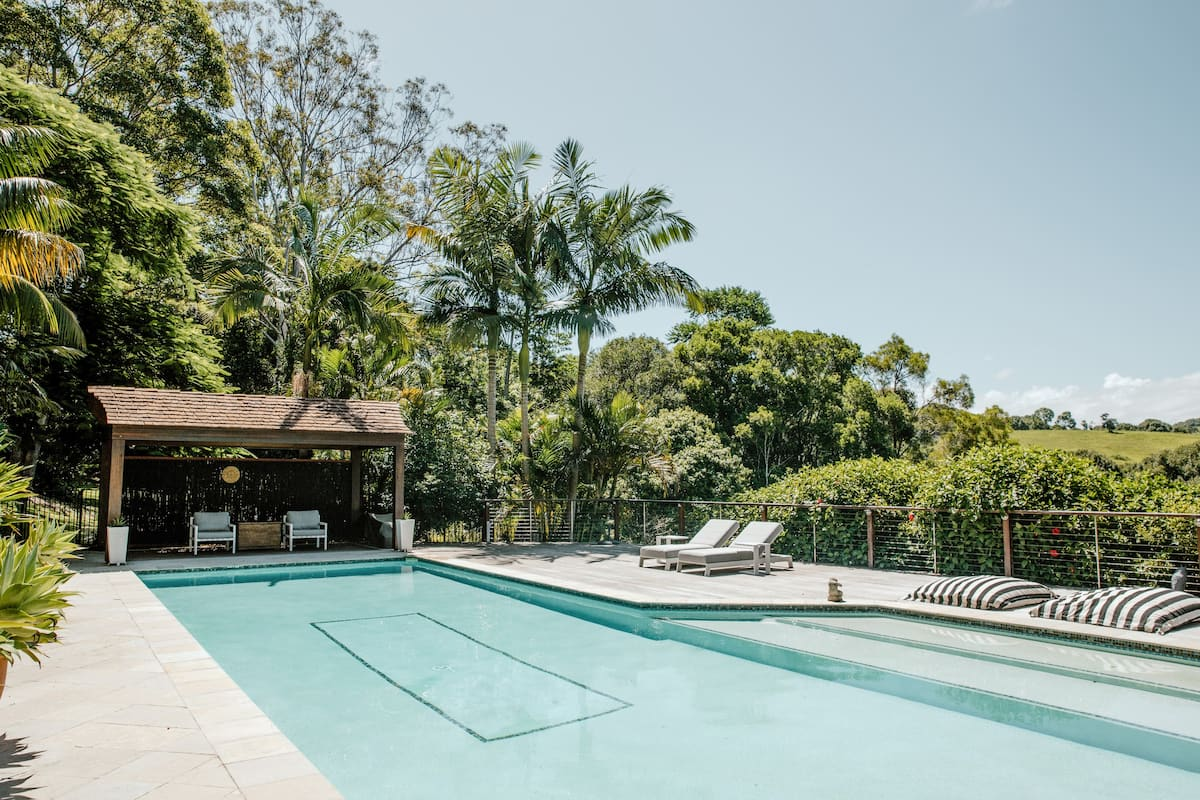 Woollybutts - Luxe Cottage & Pool in Byron Hinterland