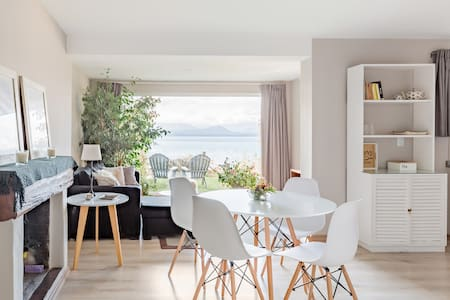 Little Home Two- Stunning Views Private Access to the Beach
