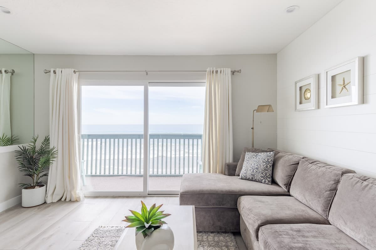 Dreams on the Sand. Oceanfront Oasis in Oceanside
