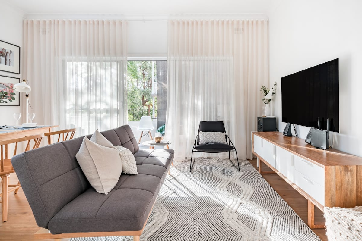 Savour the Breezy Bohemian Vibe at a Restful Allawah Retreat