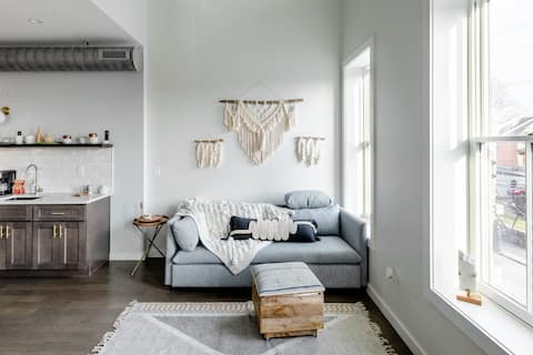 Boho Loft, Walk out the door and step into downtown life!