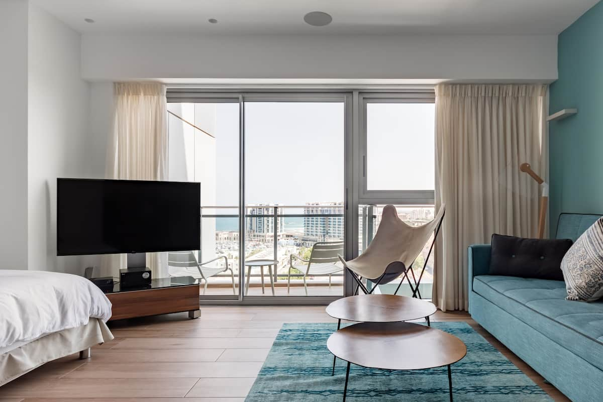Executive-Style Balcony Suite with Marina and Ocean Views