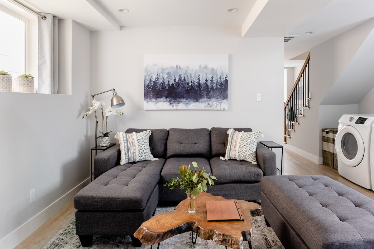 Cozy Remodeled Suite in Oceanview With Parking