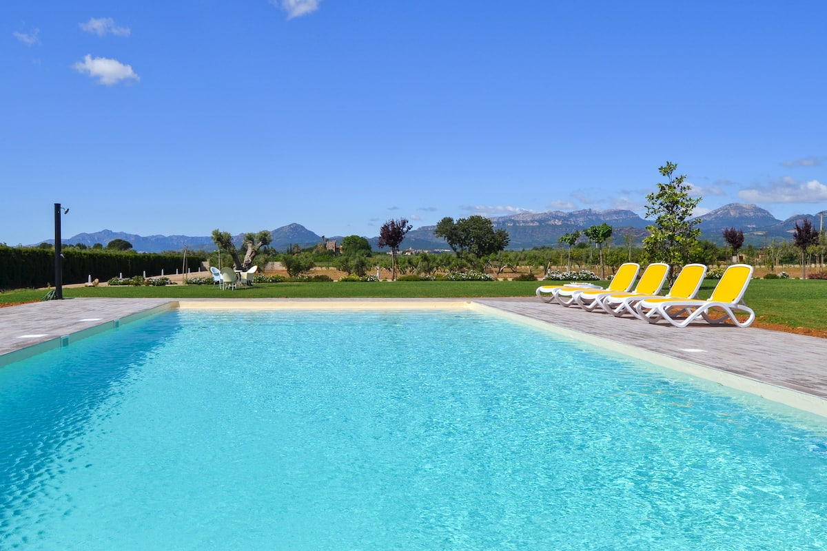 Mas Montbrió Belvedere - Cambrils Villa with Garden and Pool