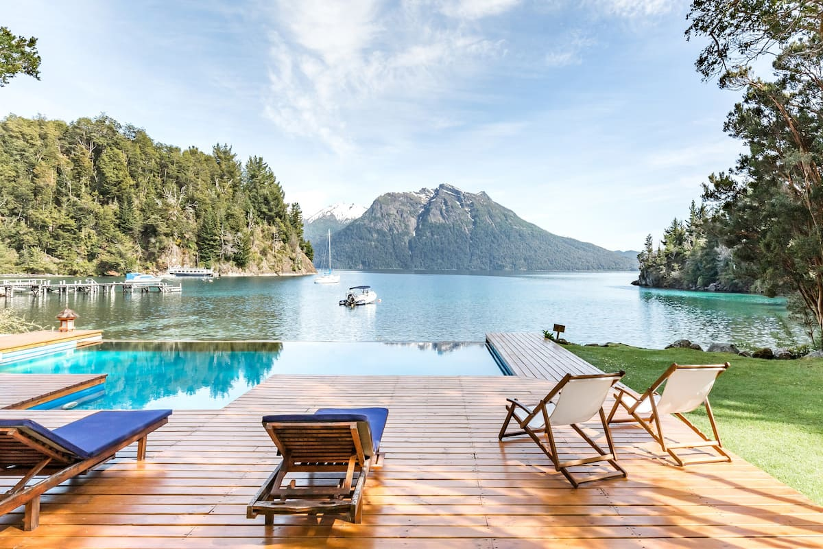 Ultra Luxury Villa with beach and infinity pool. Bariloche