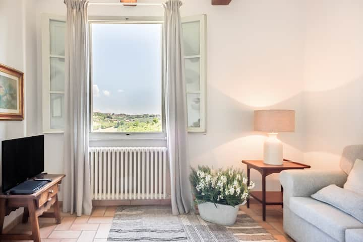 Suite Le Camelie. Belle Époque Rural Retreat in Siena
