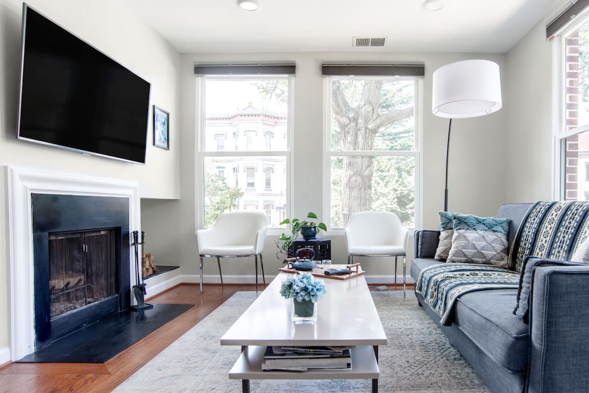 Bright, Relaxed Apartment in the Heart of DC
