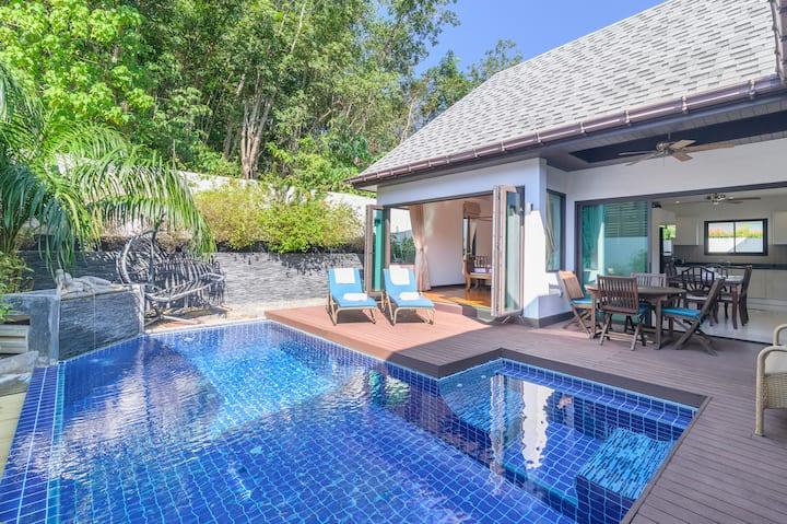 Naiharn Beach Luxurious Pool Villa(FREE CAR)