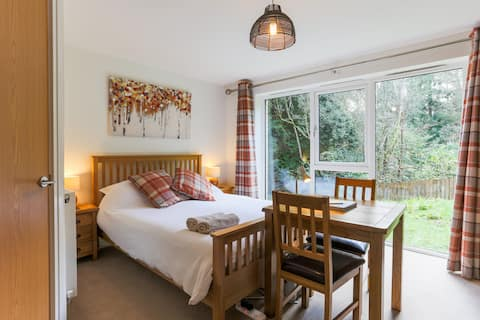 Woodland Room at Treetops, Duporth Private Beach
