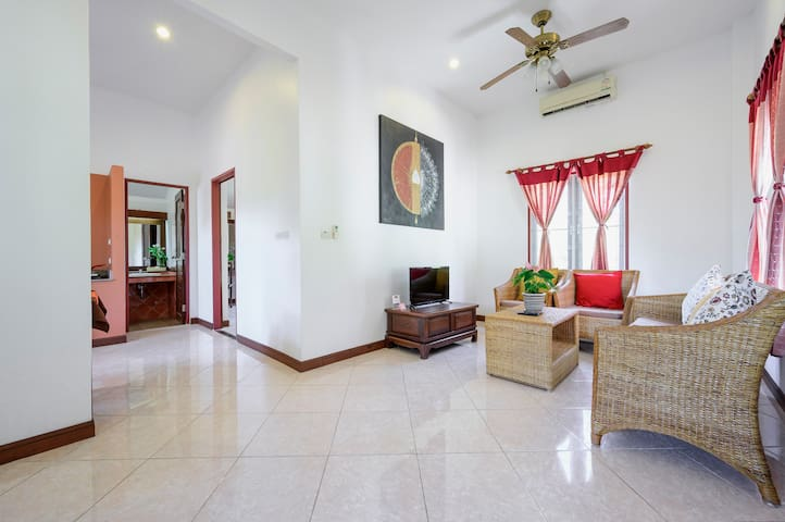 House with living room & kitchen near beaches #1