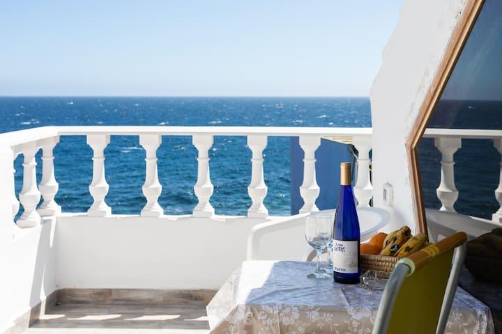 Casa del Cueva with stunning ocean view!