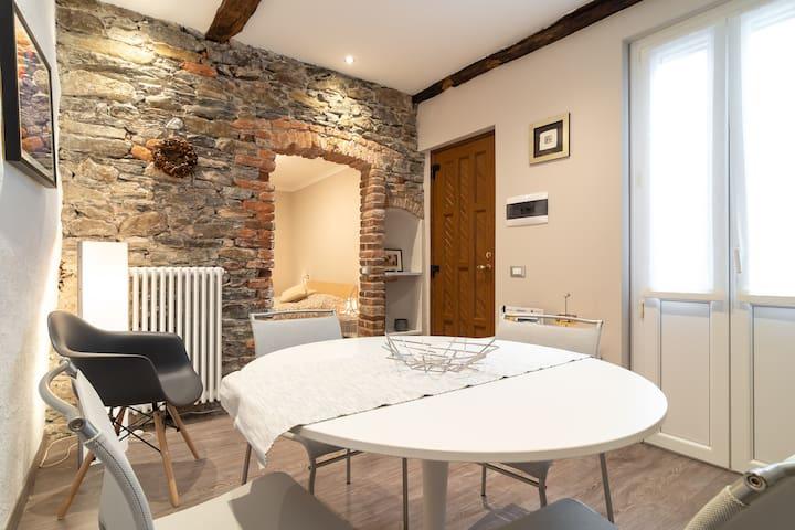 LA PERLA flat in Orta San Giulio main square
