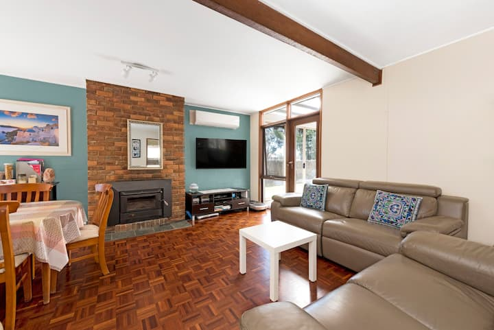 ****Perfect Canberra  Floriade♥ Getaway ****