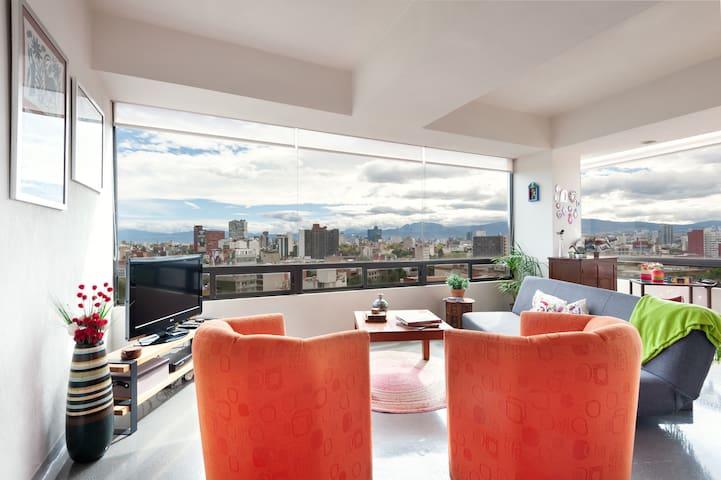 Cozy flat w/great views at La Roma