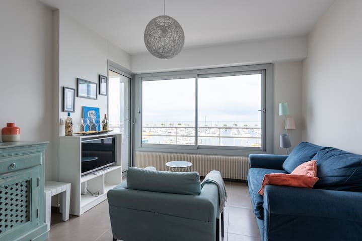 NICE APPARTMENT 1 BEDROOM FACING PORT
