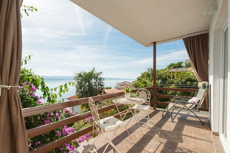 Adriatic sea view apartmentA2 OMIŠ,MARUŠIĆI,SPLIT