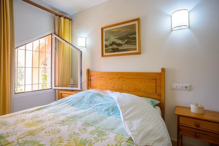 Une chambre privée à 150 m d'un décor paradisiaque