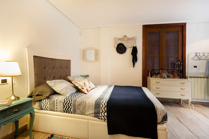 Casco Viejo Bilbao-Apartamento con encanto