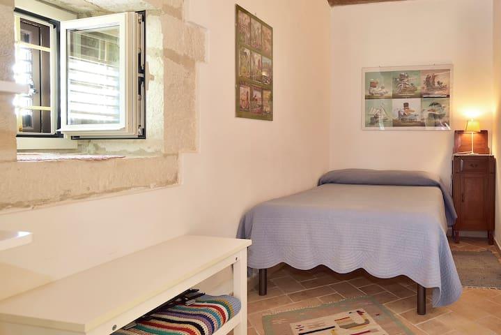 Camera con letto da 120 cm al piano terra