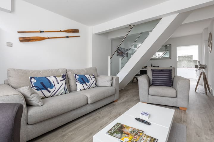 Light and airy open plan ground floor