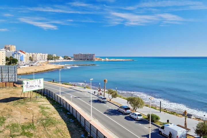 Wonderful sea view apartment in Torrevieja