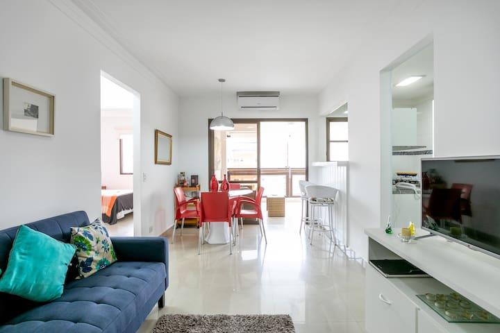Maravilhoso flat a 150 m da Praia!!