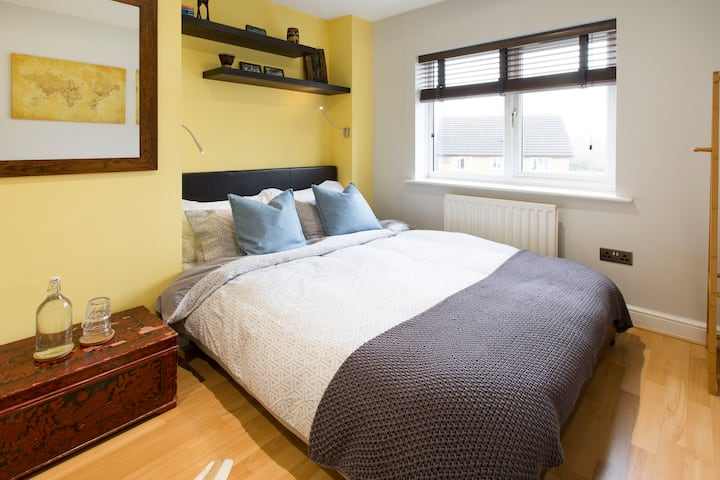 Up to 2 bedrooms in a welcoming home