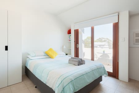 Private Self Contained Loft in Leichhardt