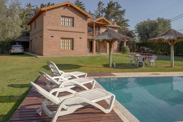 Charming house in Chacras de Coria
